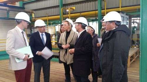 the visit of the regional minister of Economy, Industry and Employment of the Government of Aragon, Marta Gaston, to the factory in Sabiñánigo,