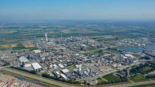 BASF Group's second most important production center is located in Antwerp. The Verbund site is about six square kilometers large and includes around 50 plants, bundled into 15 integrated production clusters.
