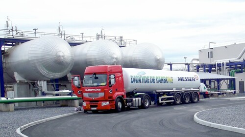 Messer has been recovering CO2 in Lacq since 2013. It is stored on site and supplied to customers in liquid form using cryogenic tanker or in gaseous form in cylinders and cylinder bundles.